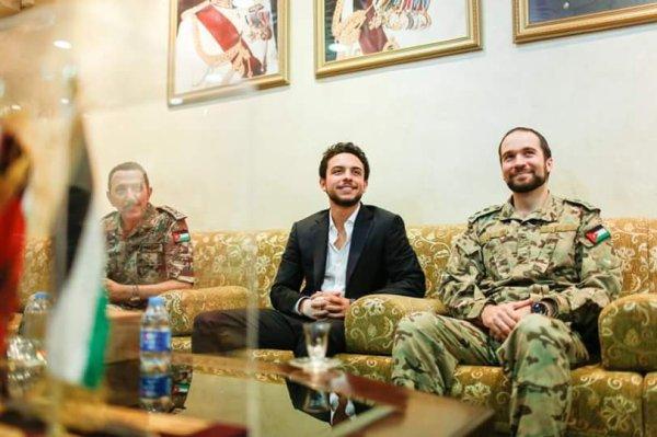 Actualité du 14/07/2015 (Le prince héritier et l'armée)