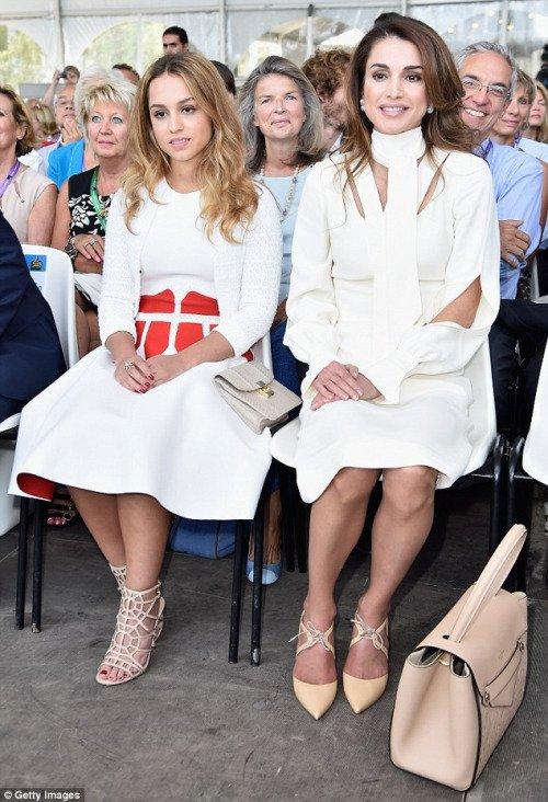 Actualité du 26/08/2015 (La reine Rania et la princesse Iman à Paris )