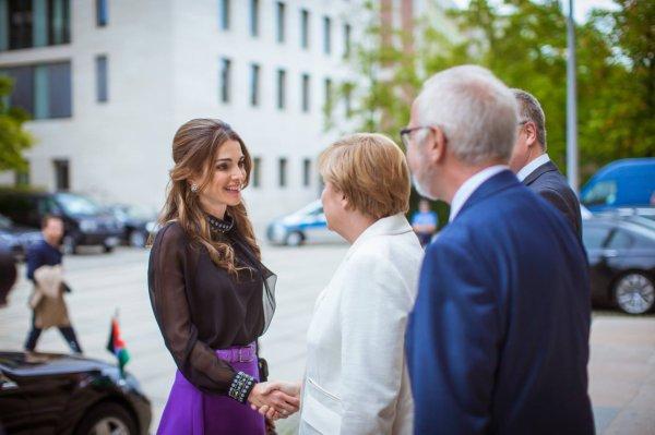 Actualité du 17/09/2015 (La Reine  reçoit un prix)