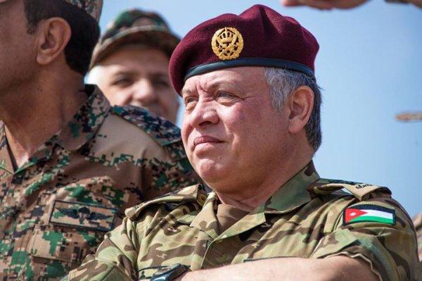 Actualité du 02/11/2015 (Le roi et les militaires)