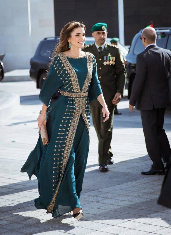 Photos : La Reine Rania lors de la Parade de la Grande Révolte Arabe !