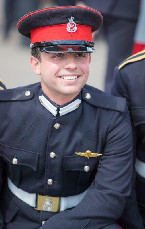 Le prince héritier Hussein de Jordanie diplomé de l'académie royale militaire de la Sandhurst (1)