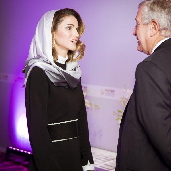 Actualité du 15/11/2017 (La Reine en Arabie Saoudite)