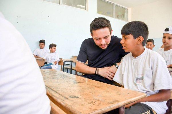Actualité du 15/08/2018 (le prince héritier visite une école)