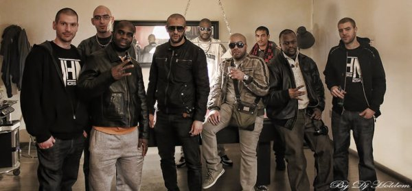 (de gauche a droite) Dj Holdem (MHN) , Amdyaz & Tonton Marcel (N-Da-Hood), La Hyene, Kolonel94 (Bad Game), Sisgros, Mesk (MHN)