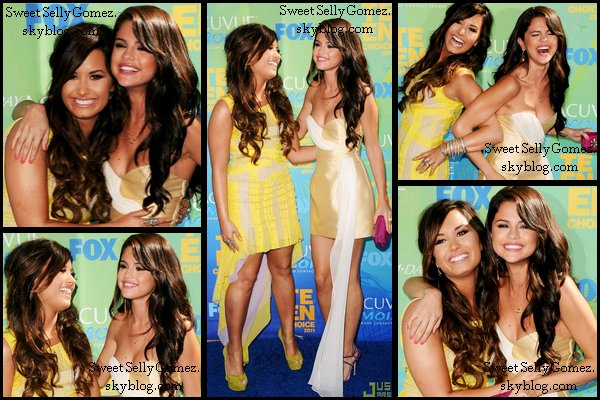 07/08/2011  Selena & The Scene au Teen Choice Awards 2011 Votre avis??