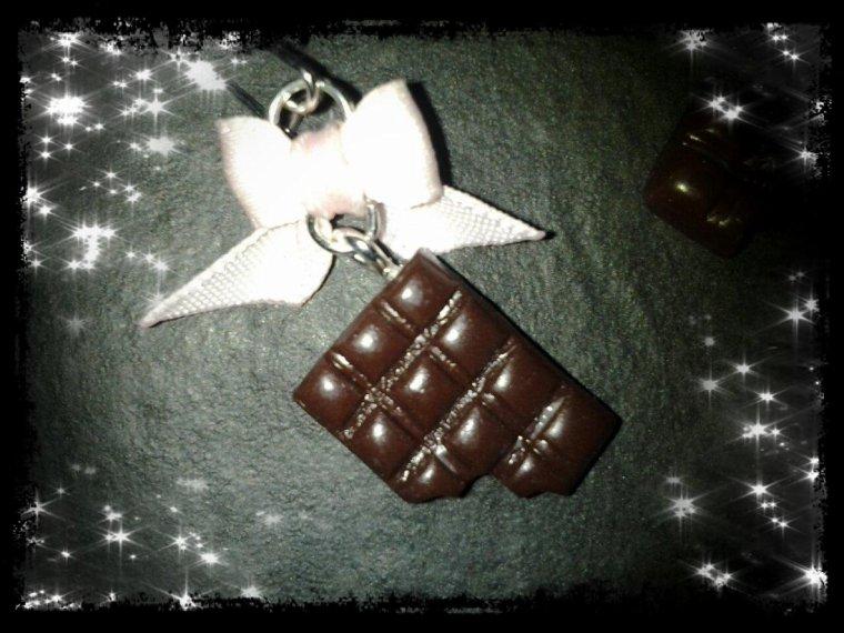 Boucles d'oreilles tablette de chocolat croquée