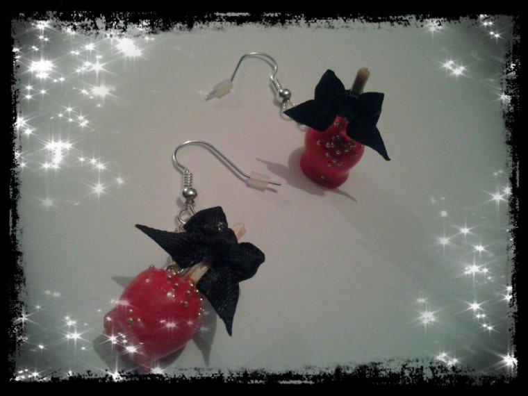 4ème commande: Boucles d'oreilles pommes d'amour!!!