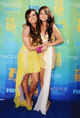 Le 7 aout avait lieu Les Teen Choice Awards Voici kelke Foto