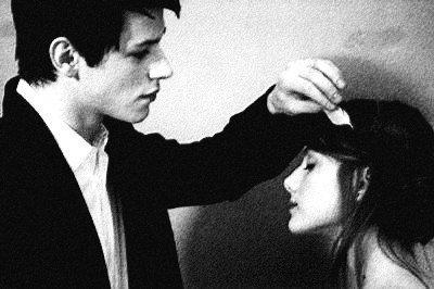 """"""" Chaque personne qu'on autorise à aimer est quelqu'un qu'on risque de perdre""""  Grey's Anatomy"""