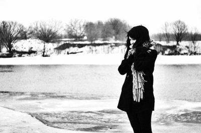 """"""" C'est la sécheresse dans les yeux de ceux qui t'aiment, j'ai pleuré toutes les larmes de mon corps pour qu'tu reviennes, mais t'es parti ... """""""