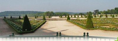 22.1 - Versailles  , côté jardin...