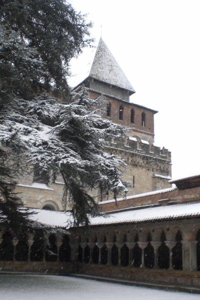 28.4  - L'abbatiale    St Pierre de Moissac   construite en 1100 par Clovis II