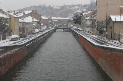 30.3 - Le canal latéral à  la  Garonne le long de la banquise...