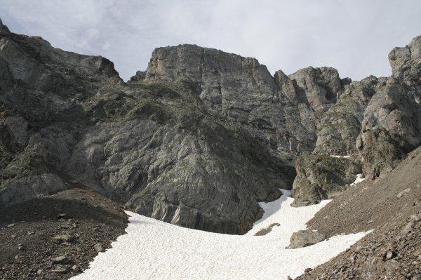 127.3 - Neige et cendres en juillet, aux abord de la brèche d'Aurey...