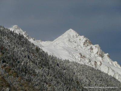 137.1  -Première neige de fin 2013 les 15 & 16  novembre  sur les Pyrénées ...