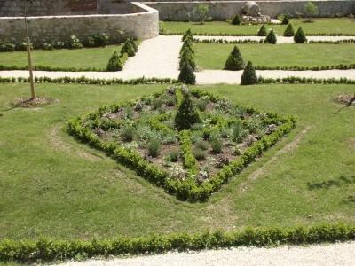 147.1 - Le jardin de curé à  Luzech a 10 ans !  Déjà ... :) :) :)