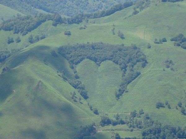 155 - Montagnes Pyrénées et Heu..., vous êtes mes Amours... !