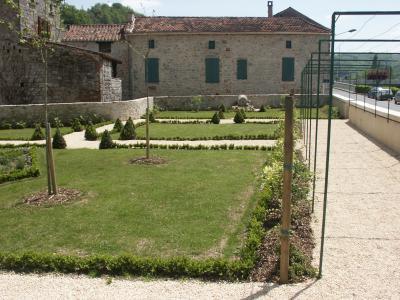 3.3 - Le jardin de curé