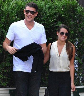 Lea & Cory mangeant dans Paris le 2 Juillet et quittant leur hôtel le lendemain