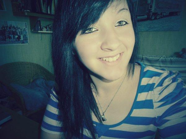 J'me drogue à la vie. Je sniff du bonheur. Je me shoote à la joie. Et je ris à en mourir.