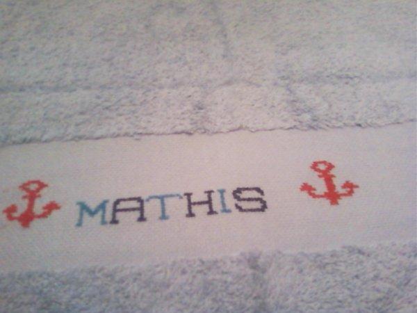 une serviette pour le même ptit garçon