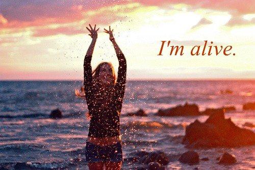 .  Il faut toujours y croire, ne jamais perdre espoir, le bonheur revient toujours. .