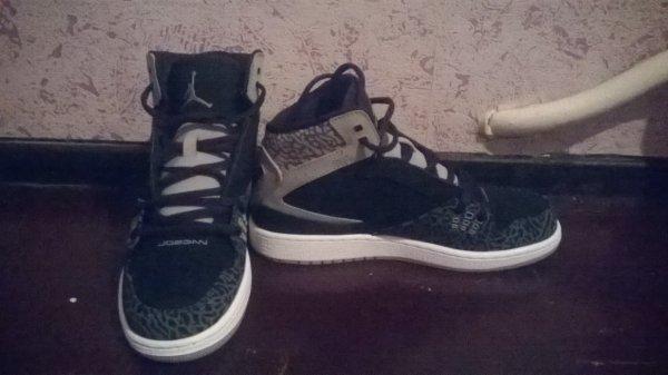 Moi et mes chaussures lol !!!!!!!