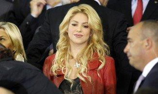 Shakira chante pour Piqué avant Barcelone - Manchester