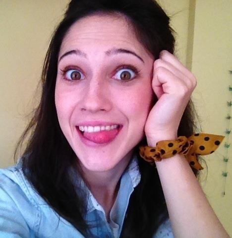 Ciaoooo io oggi non lavoro e vado a pranzo con le mie amichette Cande e Clari :) buona giornata a tutti!!