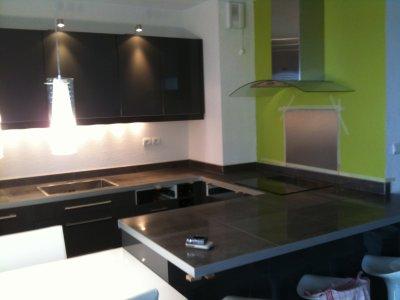 Realisation d une cuisine equipee en cx de 60x60 avec - Comment installer une cuisine equipee ...