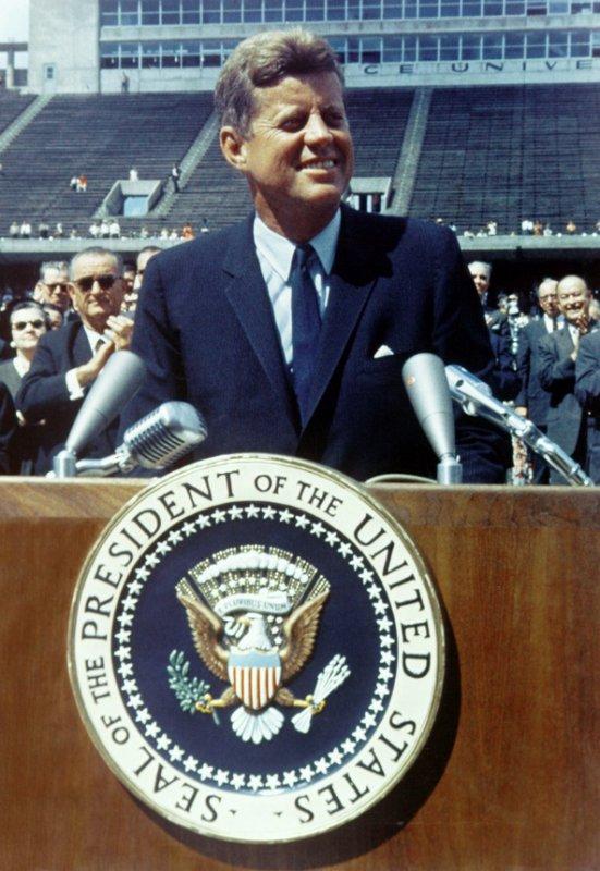 . . .    JFK . . .  l'histoire d'un accro au sexe !