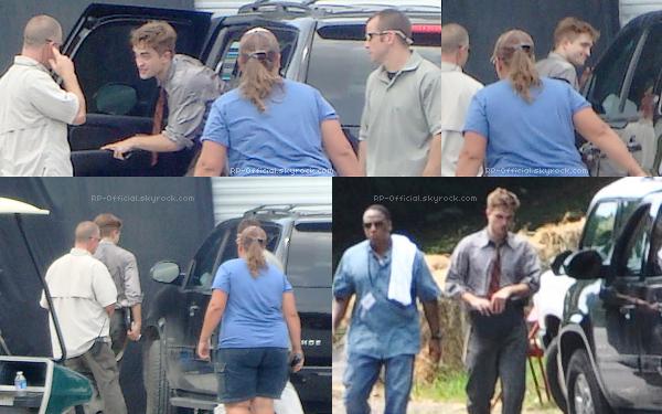 . 3 août 2010___~__Dans les coulisses de Water for Elephants . C'était le dernier jour de tournage pour Robert Pattinson !  .