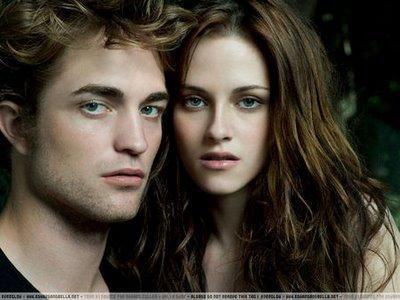 Bella et Edward (il sont pas mignion!!! ><)