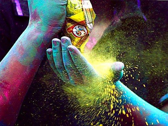 Holi : la fête des couleurs en inde.