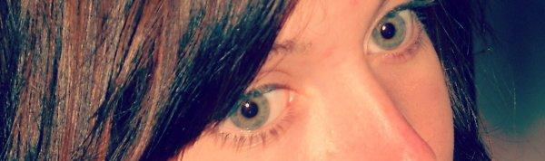 C'est toujours dans les yeux qu'on voit si les gens sont tristes ou heureux  . . .
