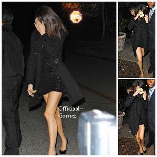 O1 / O3 / 11 : Jelena a était aperçu dans un centre commerciale a Los Angeles le jour de l'anniversaire de Justin . Ils se dirigés surtout vers les magasins Dolce & Gabana , Louis Vuitton & Pink Berry . & Plus tard dans la soirée Selena s'est rendu à Maggiano's Little Italy restaurant pour les 17 ans de Justin   Top ou Flop pour Selena , Vidéo