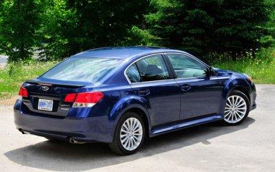 Subaru Legacy 2011.