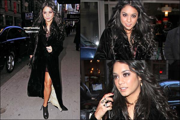 _ Mercedes-Benz Fashion Week 2011 présentant les collections de célèbres créateurs à New York.Vanessa qui assiste avec Chace Crawford au défilé de Diesel le 15 février. ♥ ________Comment la trouves-tu ? _