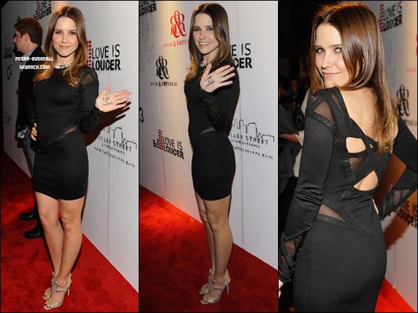 """_ 15.02 : Sophia à la soirée """"Love Is Louder t-shirt"""" organisée par sa BFF Brittany Snow à Los Angeles."""