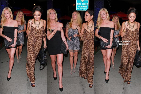 _ 09.03 : Vanessa et Laura New qui vont dîner au Boa Steakhouse pour fêter les 25ans de Brittany Snow.