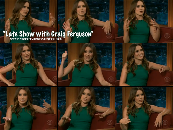 "_ Sophia enregistrant une interview à l'émission ""Late Show with Craig Ferguson"" le 5 avril. ♥ ♥"