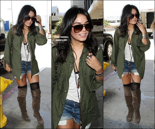 _ 11.05 : Vanessa quittant son domicile, toujours avec sa BFF Laura New et arrivant à l'aéroport LAX de Los Angeles, en direction de CANNES ! Elle assistera donc au festival de Cannes qui s'y déroule actuellement.