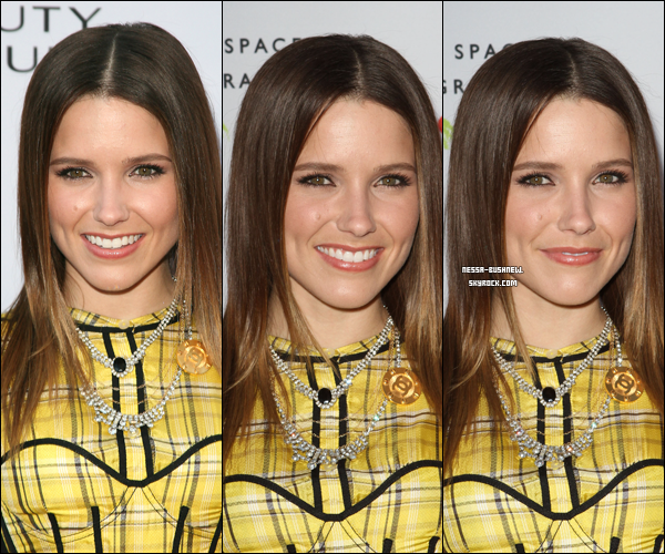 "_ Sophia à l'ouverture de ""Beauty Culture"" au Annenberg Space à Century City le 19 mai. Top ou Flop ? ♥"