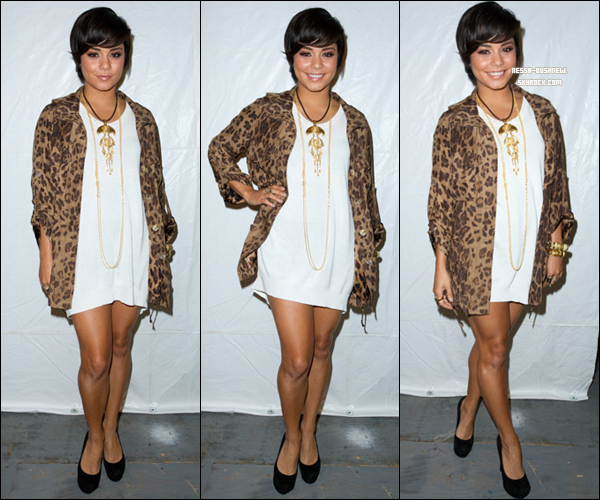 """_ 08.09 : Mercedes-Benz Fashion Week - Collections 2012 au Lincoln Center à New York City. Vanessa se rendant au show """"Fatigues To Fabulous"""". Tu aimes sa tenue ? Elle sera l'hôte d'un événement le soir même. _"""