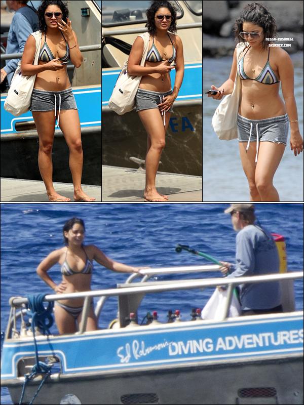 _ Vanessa qui passe du temps sur la plage de Mauï à Hawaii durant son séjour le 15 septembre. _