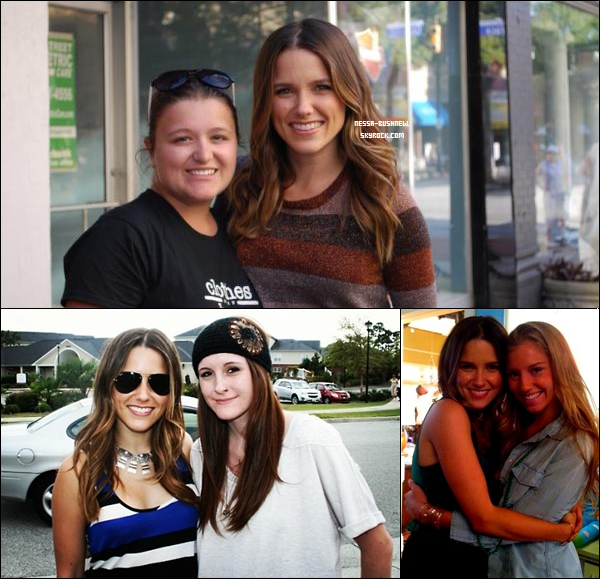 _ Diverses photos de Sophia avec des fans et de Vanessa en compagnie de Laura New. _