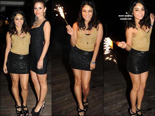 _ Vanessa qui célèbre la nouvelle année avec ses amis à Miami le 31 décembre. Tu aimes sa tenue ? _