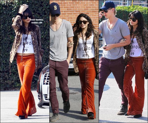 _ Vanessa et son inséparable, Austin Butler quelque part à West Hollywood le 7 janvier. _