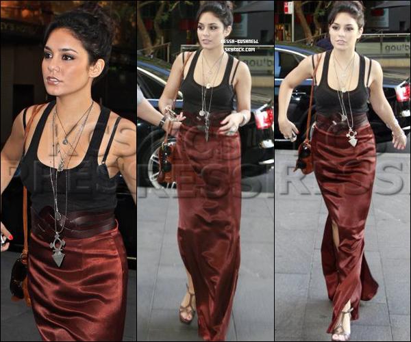 _ Vanessa après avoir fait du shopping vers la plage de Bondi à Sydney en Australie le 19 janvier. _